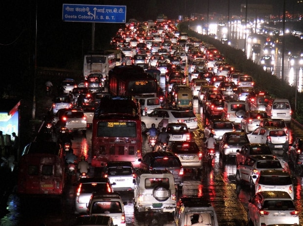 A huge traffic jam at ring road towards ISBT after lash of heavy rain in New Delhi