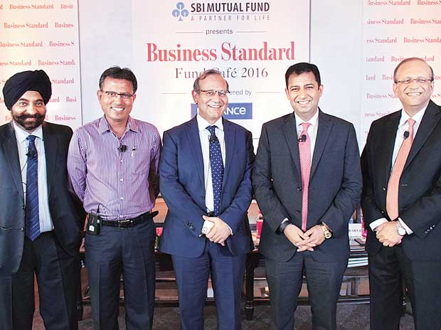 BS Fund Cafe 2016: Create level-playing field for MFs
