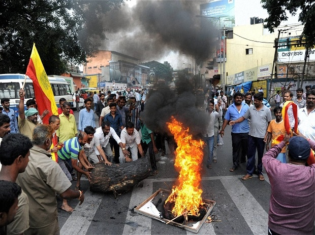Kannada people holding a protest over Cauvery water