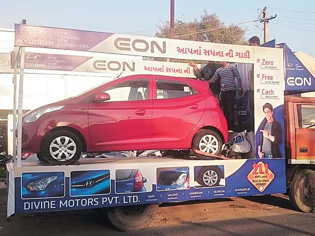 A Hyundai float showcasing its Eon model in Gujarat