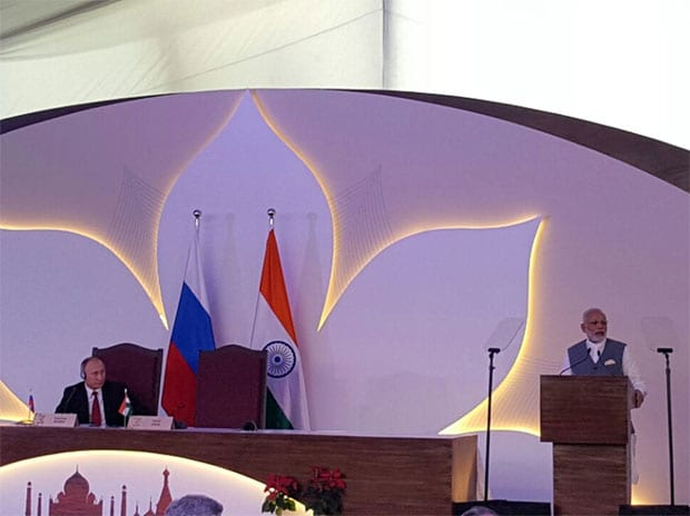 Narendra Modi welcomes Putin to India ahead of bilateral BRICS summit