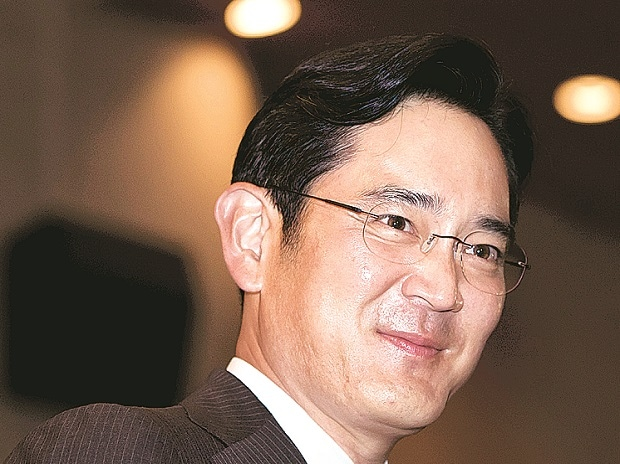 Samsung's Lee signals at more board power