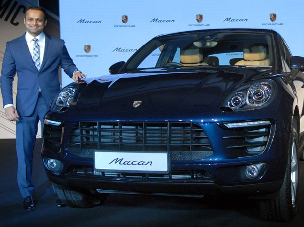 Porsche S Suv Macan R4 Launched Priced At Rs 76 84 Lakh Business