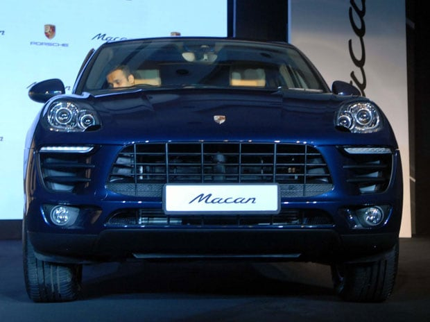 Porsche S Suv Macan R4 Launched Priced At Rs 76 84 Lakh