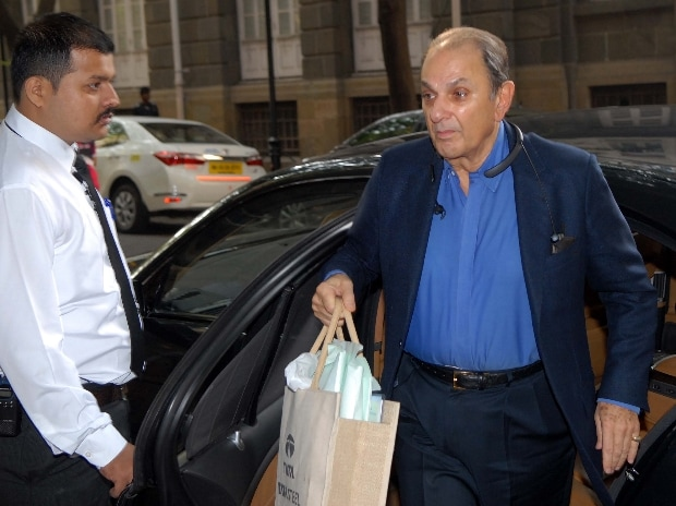 Nusli Wadia, Non-Executive, Independent Director, Tata Motors arrives for Tata Motors' board meeting at Bombay House in Mumbai (Pic: Kamlesh Pednekar)