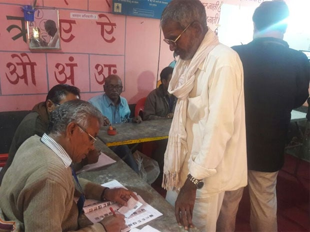 Voting underway for Nepanagar Assembly bypoll in Madhya Pradesh. (Photo: ANI)