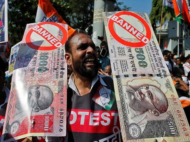 Banks slide on RBI deposit move