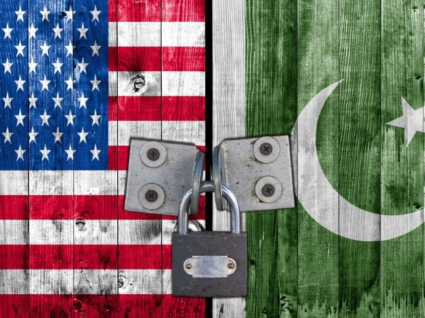 US flag (left) and Pakistan flag. Photo: Shutterstock