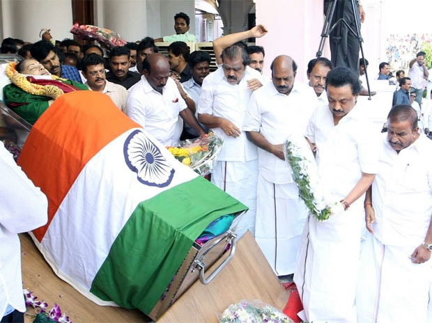 DMK leader MK Stalin pays his last respect to late Tamil Nadu Chief Minister J Jayalalithaa.