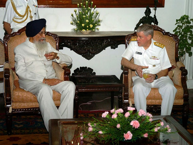A 2007 picture of Commander, Carrier Strike Group Eleven, Rear Admiral Terry Blake, with then Governor of Tamil Nadu, Surjit Singh Barnala. Photo: Wikimedia