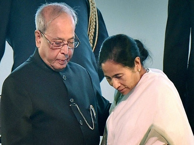 President Pranab Mukherjee with West Bengal Chief Minister Mamata Banerjee.