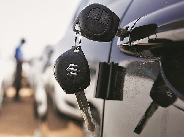 Maruti inches close to combined market cap of Tata Motors, M&M