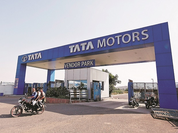 Tata Motors' forex losses have raised a red flag on Indian firms