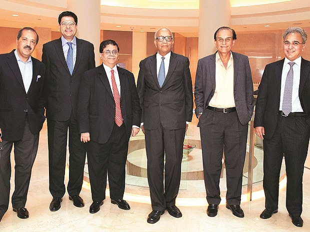The <i>BS</i> Jury: (From left) KKR India Advisors CEO Sanjay Nayar, McKinsey global co-leader of analytics practice Noshir Kaka, Cyril Amarchand Mangaldas Managing Partner Cyril Shroff, Maruti Suzuki Chairman R C Bhargava, Marico Chairman Harsh Mari