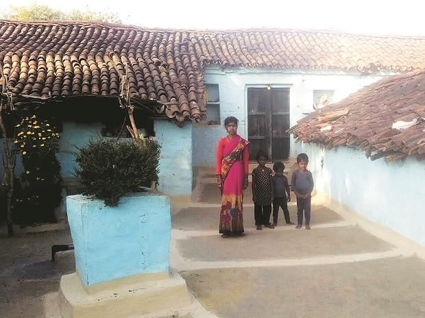 In this Bundelkhand village, 20 year old Rani looks for a loan waiver