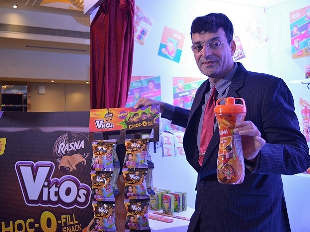 With Vitos Rasna won't take big brands head on, says CMD Piruz Khambatta