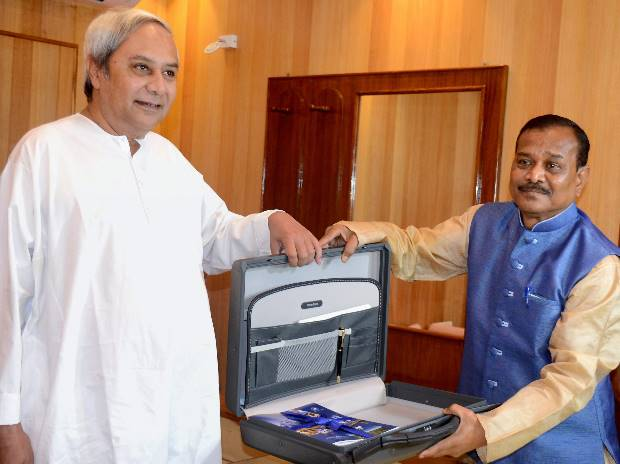 Odisha Budget outgo at Rs 1.06 lakh cr, growth pegged at 8-8.5% in FY18