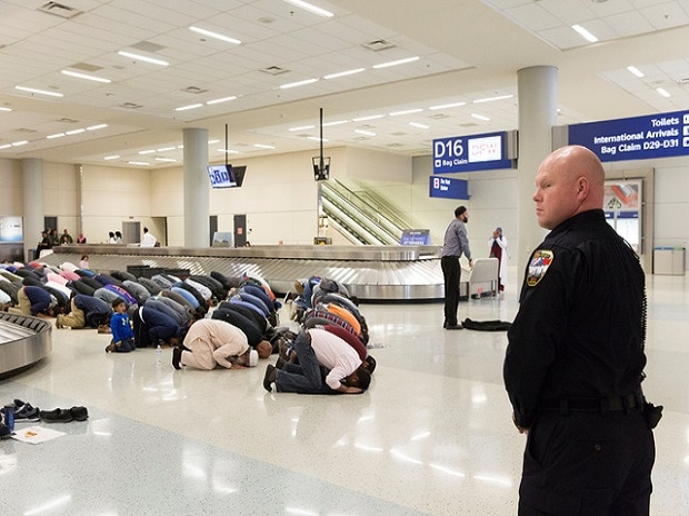 Muslims,People,protest,travel ban,Donald Trump,Dallas/Fort Worth International Airport