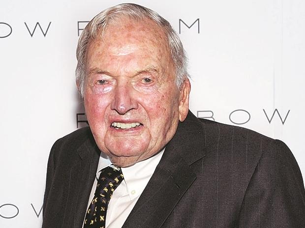 Philanthropist and head of Chase Manhattan dies at 101