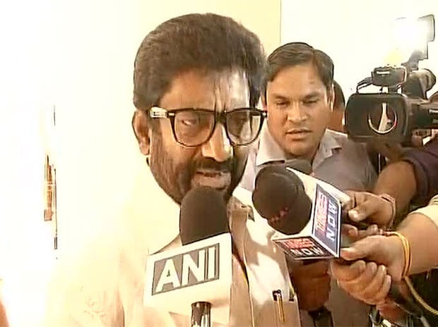 Barred from flying, Shiv Sena MP Gaikwad travels by car to Delhi