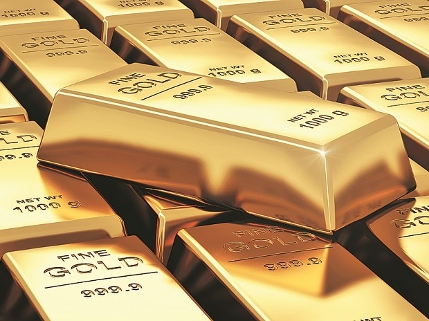 Gold at highest since May 1 on political uncertainty, dollar weakens
