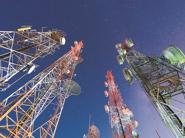 DoT tells FinMin to slash telecom revenue target by 40%