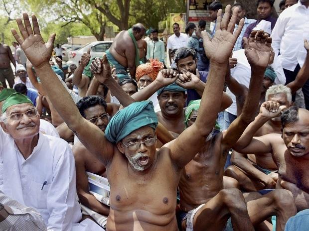 Tamil Nadu, Jantar Mantar, New Delhi, Madras High Court, waive, loans, farmers, cooperative banks