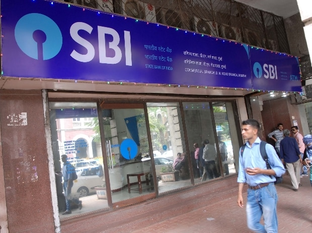 SBI lowers min balance to Rs 3,000; exempts pensioners, minors