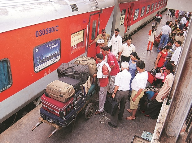 Soon, passengers have to pay more for using railway cloak rooms, lockers