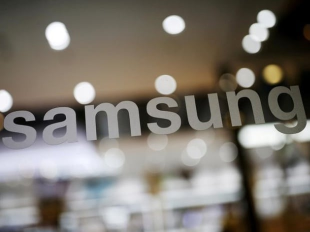 Samsung seeks to gain edge over Apple by advancing launch