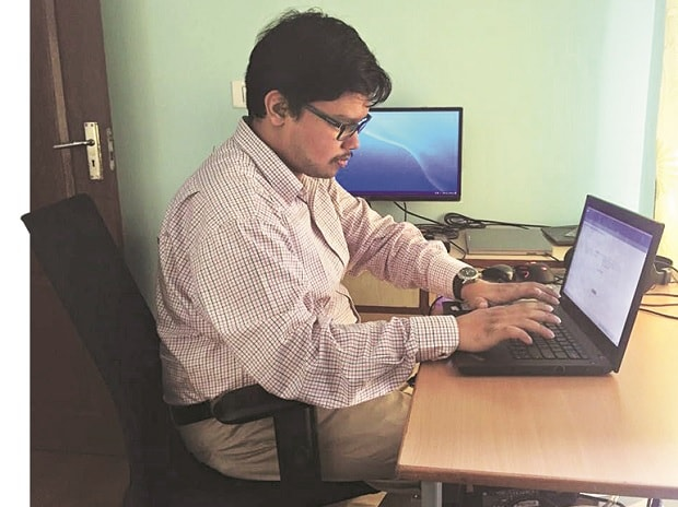 SAP Lab India staffer Neelanjan Dasgupta spots bugs in applications that usually escape his 'normal' colleagues