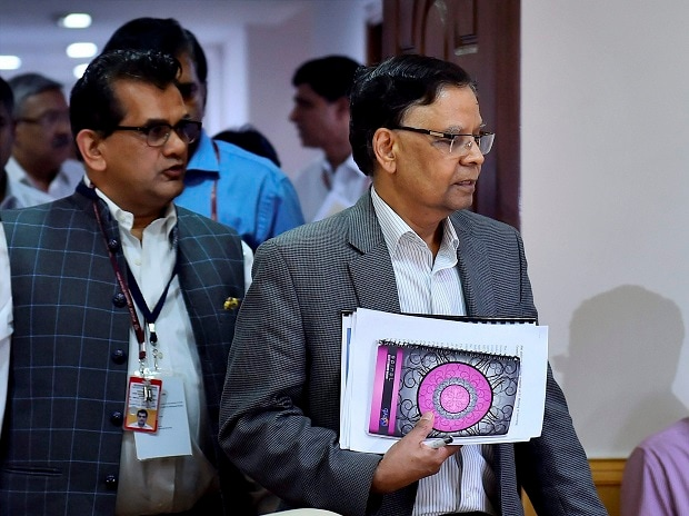 Niti Aayog presents 300 specific action points to boost economy
