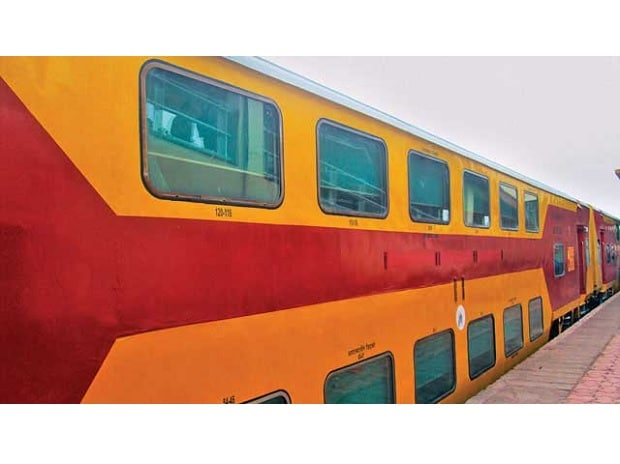 Low-cost travel, LCD screens on double-decker overnight AC trains from July