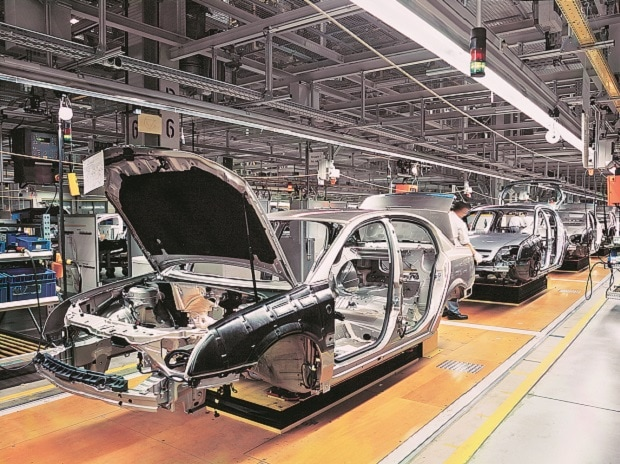 Passenger vehicle sales rise 9% in May driven by utility vehicles