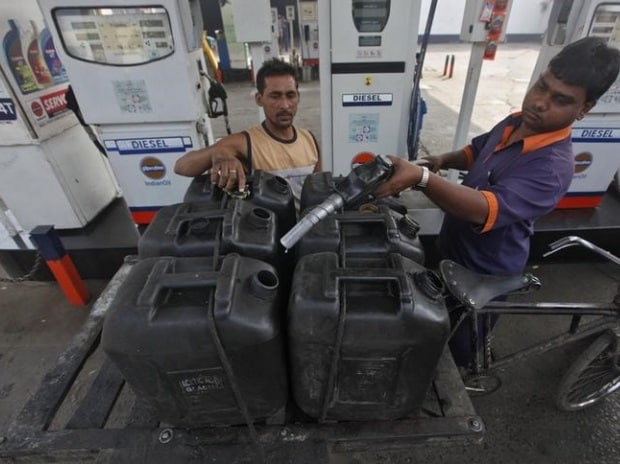 Dynamic fuel pricing: Dealers feel heat over increased risk, lower profits | Business Standard News