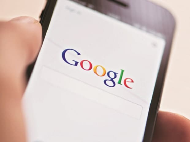 Google Launches 'Personalised Feed Section' in Google App to Beat Social Media