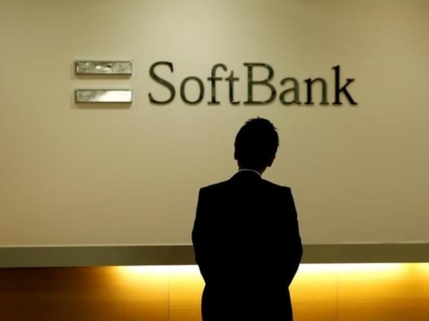 Govt in talks with SoftBank for funding 2 lakh e-buses