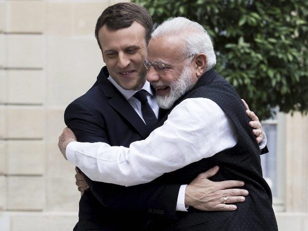 Emmanuel Macron, Narendra Modi