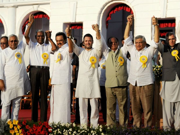 Tie-up on cards? Nitish Kumar shares stage with Rahul Gandhi at DMK event