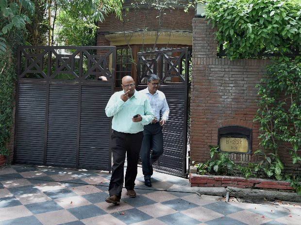CBI raids NDTV's Prannoy Roy for 2008 deals with ICICI Bank