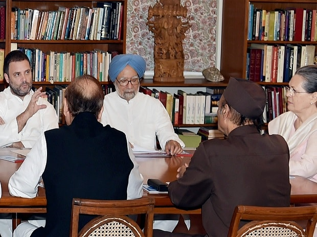 Former Prime Minister Manmohan Singh, Congress president Sonia Gandhi, party vice-president Rahul Gandhi and other leaders during the Congress Working Committee (CWC) Meeting at 10 Janpath in New Delhi on Tuesday. Photo: PTI