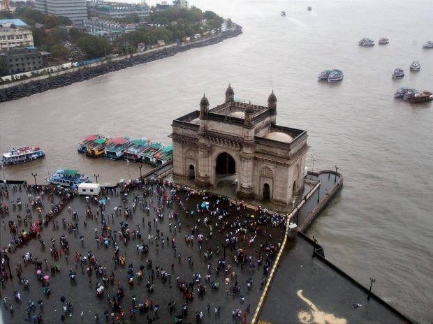 Gateway of India, monsoon, rainfall, southwest monsoon, South Mumbai, Mumbai