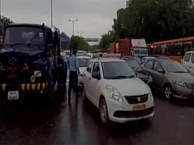 Delhi: 20,000 litres of petrol gets spilled on road, causes traffic jam