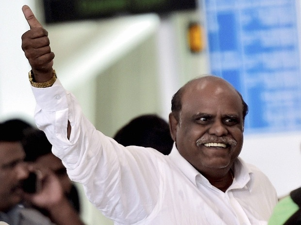 Chennai: Former Kolkata High Court Judgec Justice CS Karnan being taken by West Bengal police to that city at the airport in Chennai on Wednesday.  He was arrested yesterday night from Coimbatore. (Photo : PTI)