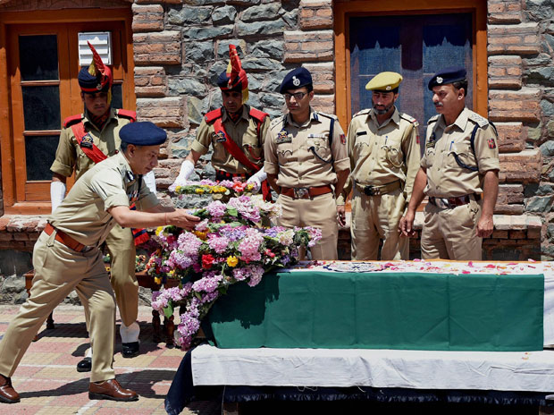 Srinagar: Another cop posted where Pandith was striped and stoned to death