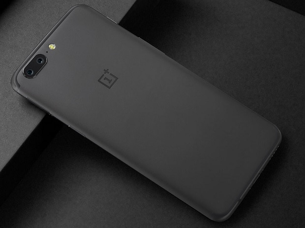 OnePlus-5-is-old-wine-in-a-new-bottle-but-its-camera-battery-are-the-real-winners