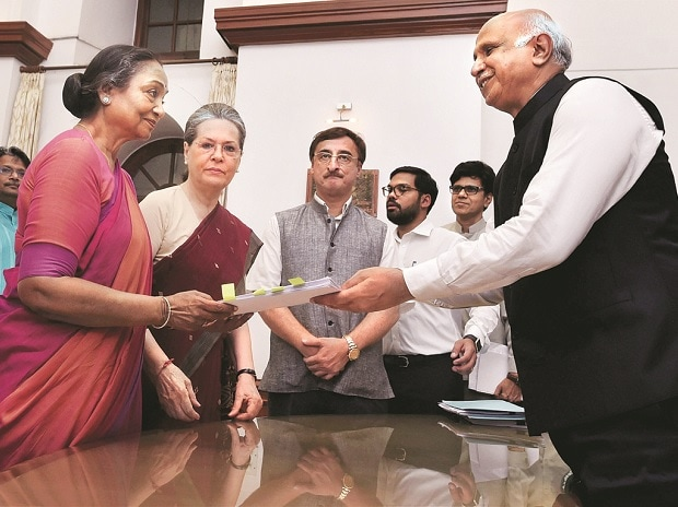 Presidential-polls-Meira-Kumar-files-nomination
