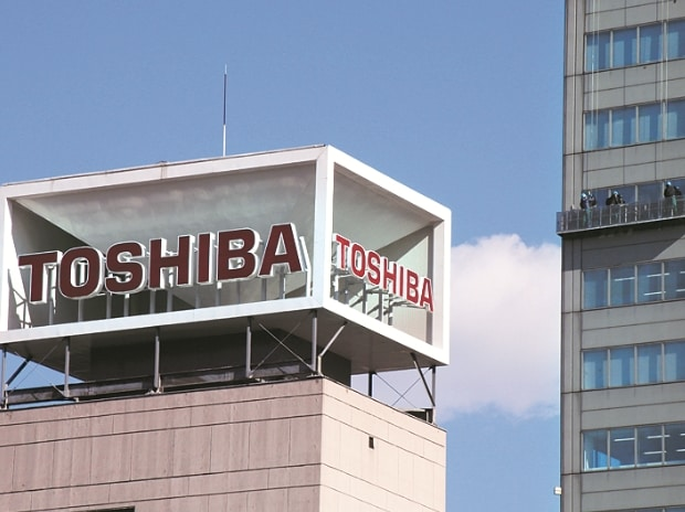 Toshiba-sues-Western-Digital-for-11-billion