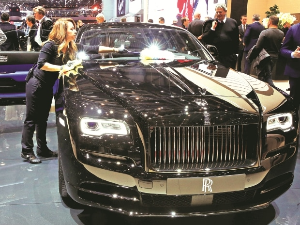 Rolls-Royce-drivers-are-a-lot-younger-than-you-think