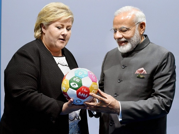 PM invites Norway pension funds to invest in India